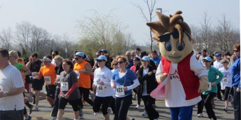 Brand mascot at marathon
