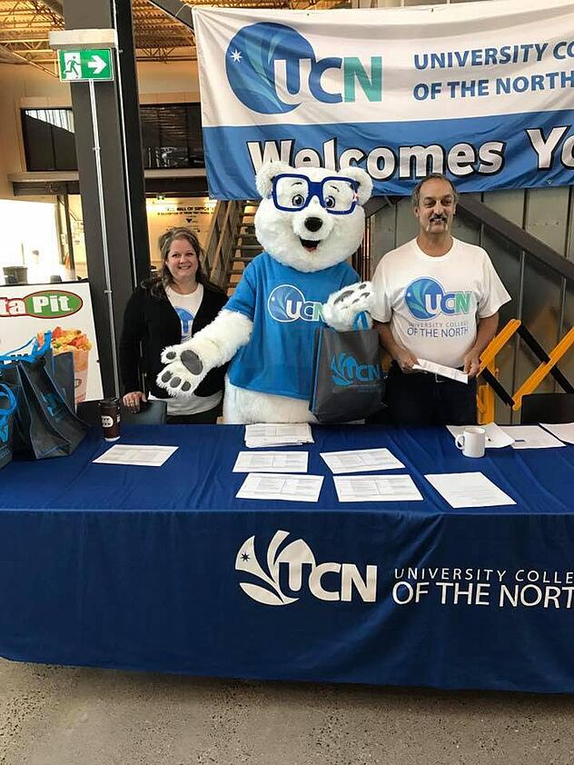 UCN Mascot Peyton Welcoming Students