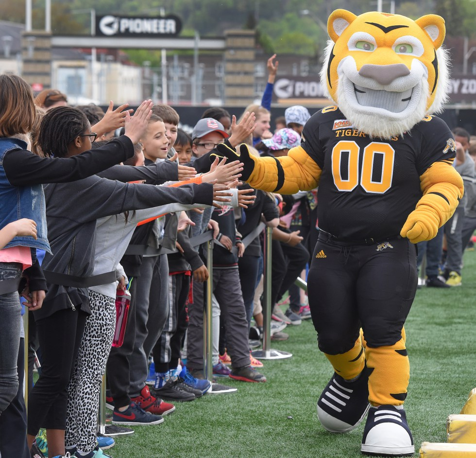 Stripes, the Hamilton Tiger Cats Custom Mascot gets kids involved